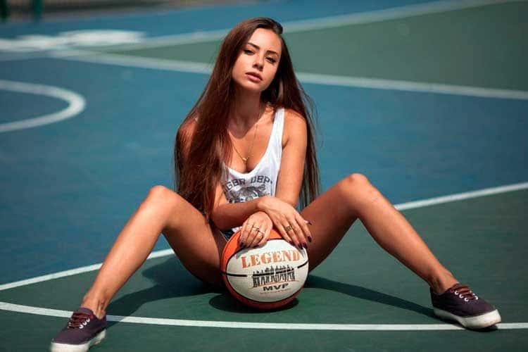 Тотал в баскетболе – стратегии ставок на больше/меньше по четвертям и игрокам